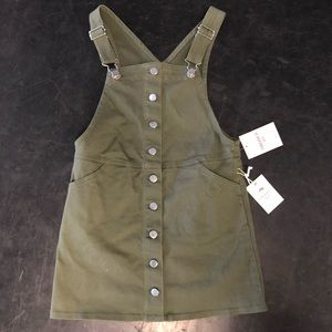 Forever 21 girls overall dress size 9/10 with tags